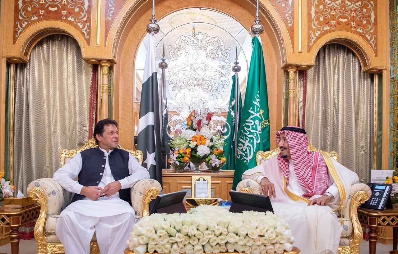 الملك سلمان يبحث مع رئيس وزراء باكستان مستجدات الأوضاع الإقليمية والدولية. https://t.co/oZkbyIcMrd
