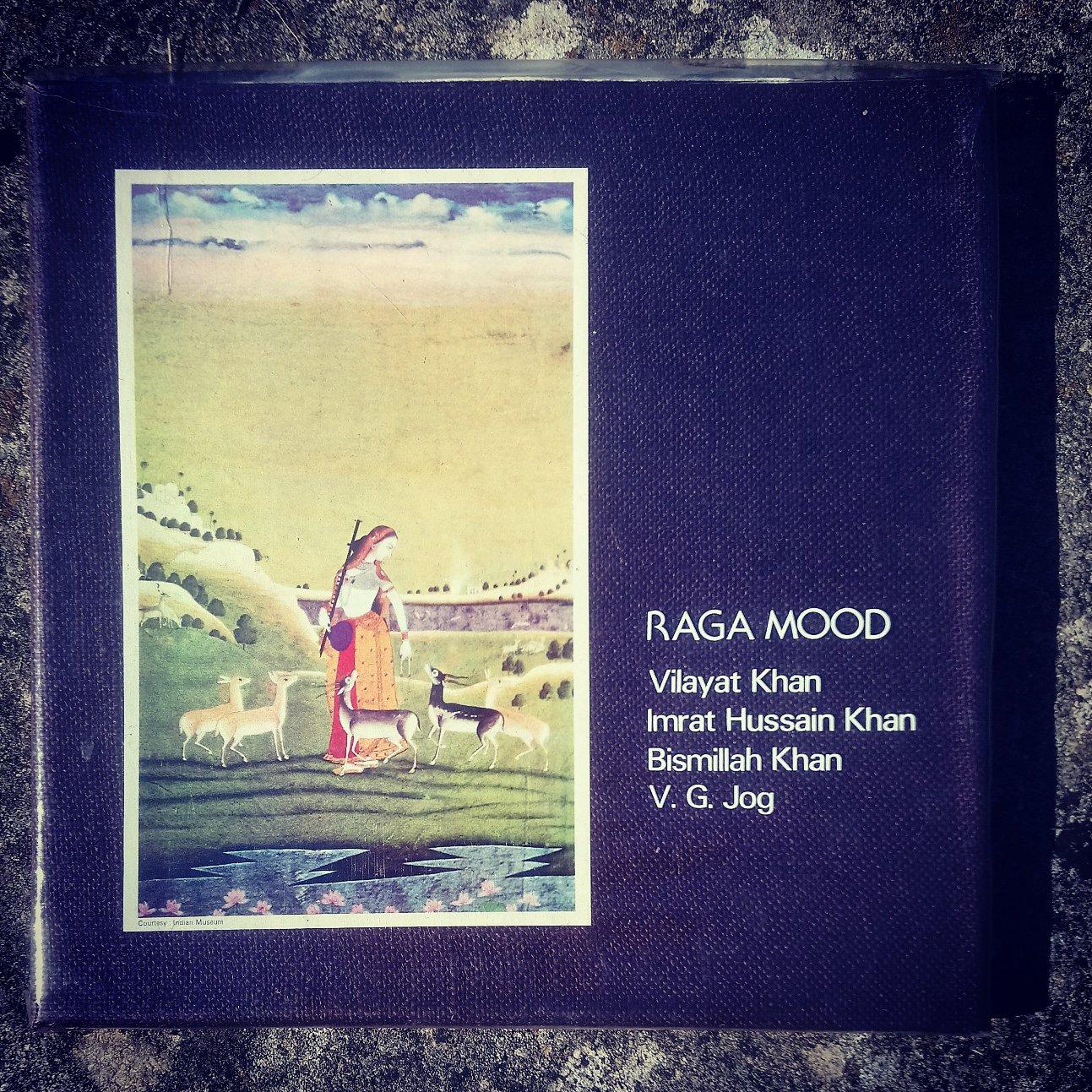 Today's #charityshoprecord... Raga Mood feat. Vilayat Khan, Imrat Hussain Khan, Bismillah Khan and V. G. Jog (EMI, 1982, 3xLP) #raga #indianclassical #hindustani #sitar #violin #shehnai #tabla #jugalbandi #vinyl https://t.co/tDf2G9pD8H