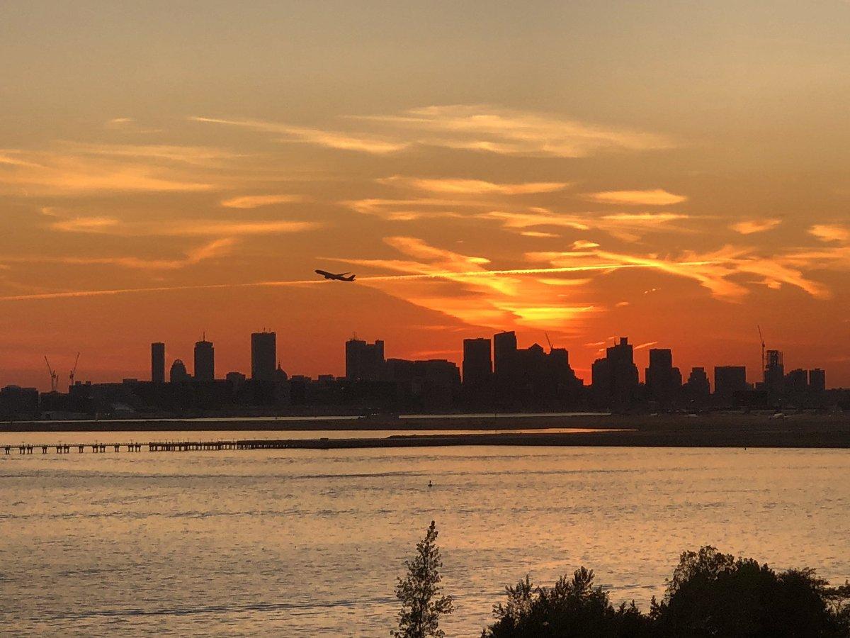 test Twitter Media - RT @OnlyInBOS: Friday Sunsets in September. https://t.co/53fHOqKXBO