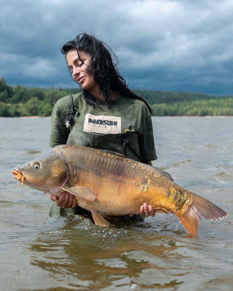 Lovely fish Claire, well done 👌🏻🎣  @TheCARPbible   #Carp #CarpFishing #Carpy #Fishing https