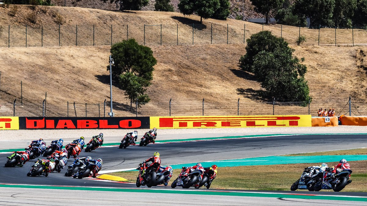 test Twitter Media - 💪🏻@19Bautista and @chazdavies7 at odds after Turn 1 conflict  #PRTWorldSBK🇵🇹  📃| #WorldSBK https://t.co/NbTVncyOhT https://t.co/FjGUBv12Kb