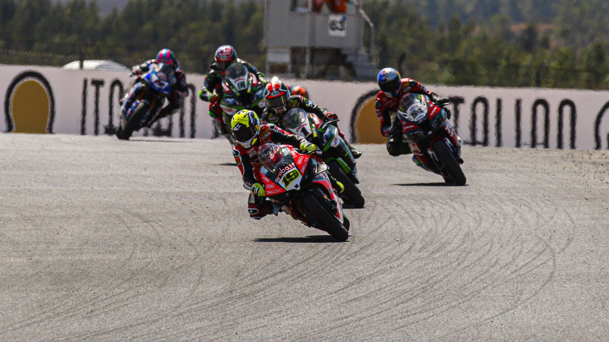 test Twitter Media - 📺WATCH the only races in #WorldSBK history where all riders finished!  A rare item: all riders finished a WorldSBK race for only the fifth time in the 799-race history – enjoy the first two occasions for FREE!  #PRTWorldSBK🇵🇹  📹VIDEO | #WorldSBK https://t.co/8Dd6ldlje5 https://t.co/bIKoT5iw46