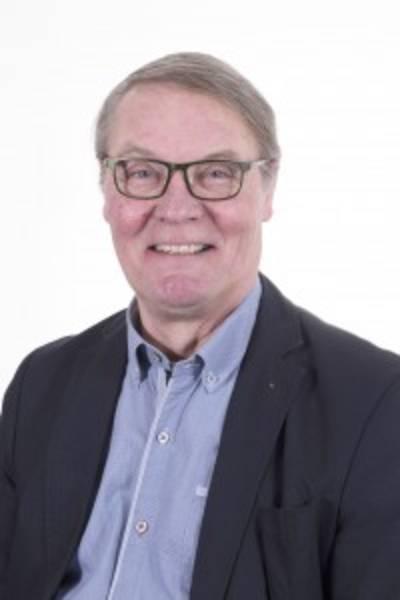 Loons raadslid Frans Stobbelaar door stof na rijden onder invloed: 'Ik ben stom geweest'..
