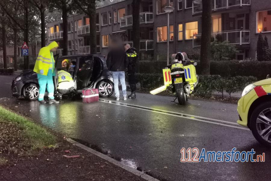 Automobilist gewond bij botsing met boom in Hoogland. 112Amersfoort.