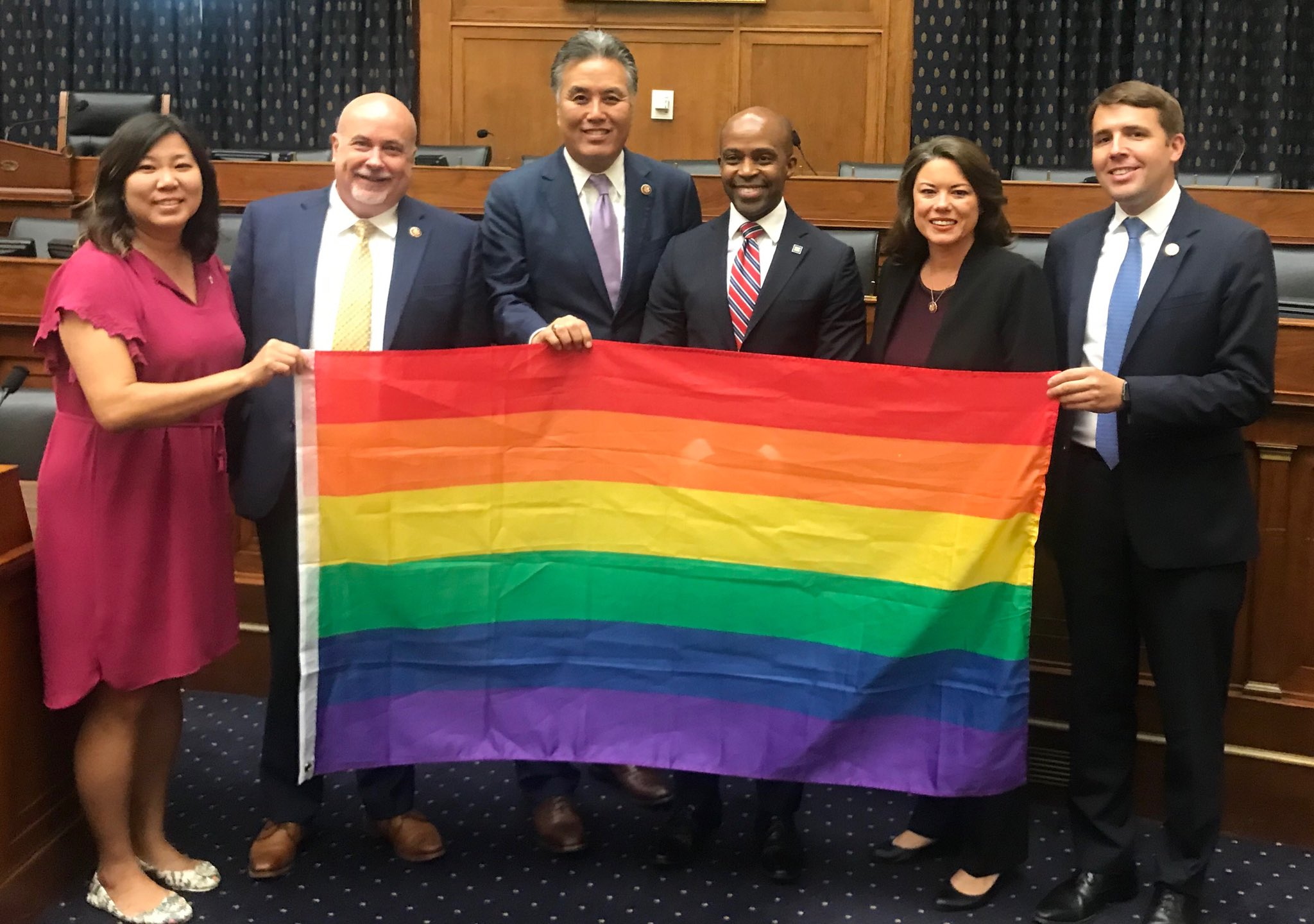 RT @LGBTEqCaucus: Co-Chairs ⁦@RepAngieCraig⁩ ⁦@repmarkpocan⁩ ⁦@RepChrisPappas⁩ ⁦@RepMarkTakano⁩ and Vice Chair ⁦@RepGraceMeng⁩ had a great discussion with @HRC President Alphonso David on moving forward LGBTQ+ priorities 🏳️‍🌈 #ForThePeople https://t.co/dt0sZEEk7x