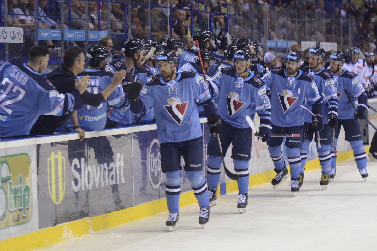 👍💪Úžasný začiatok! #hcslovan zdolal v úvodnom zápase ročníka Tipsport Ligy HC Košice na jeho ľade 2:1! ✅ https://t.co/33KNPBslUT