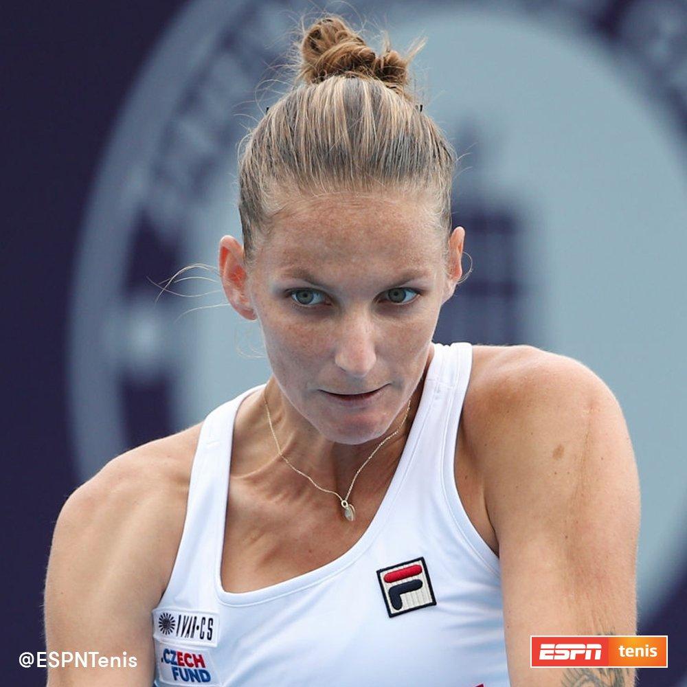¡Título N°15 para Karolina Pliskova! La checa venció 6-3 y 6-2 a Petra Martic en la final del WTA de #Zhengzhou y se afianza como N°2 del mundo a 86 puntos de Ashleigh Barty a partir del lunes. 🎾🇨🇿  @KaPliskova https://t.co/JIfr7RV6BU