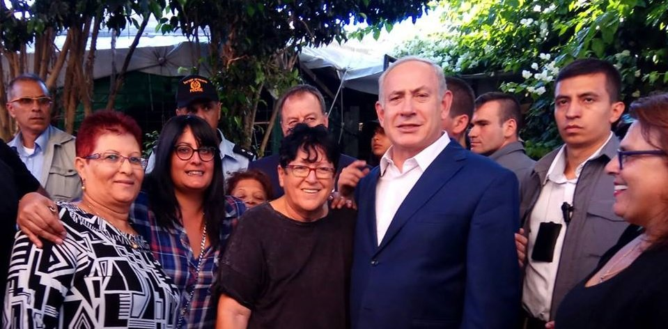 Here is Netanyahu with Shefi Paz a right wing activist who committed a hate crime today against the EU delegation. Paz led the racist campaign against asylum seekers & was a fringe character but Netanyahu emboldened her and gave her influence on government migration policy https://t.co/HaNNaUgswH