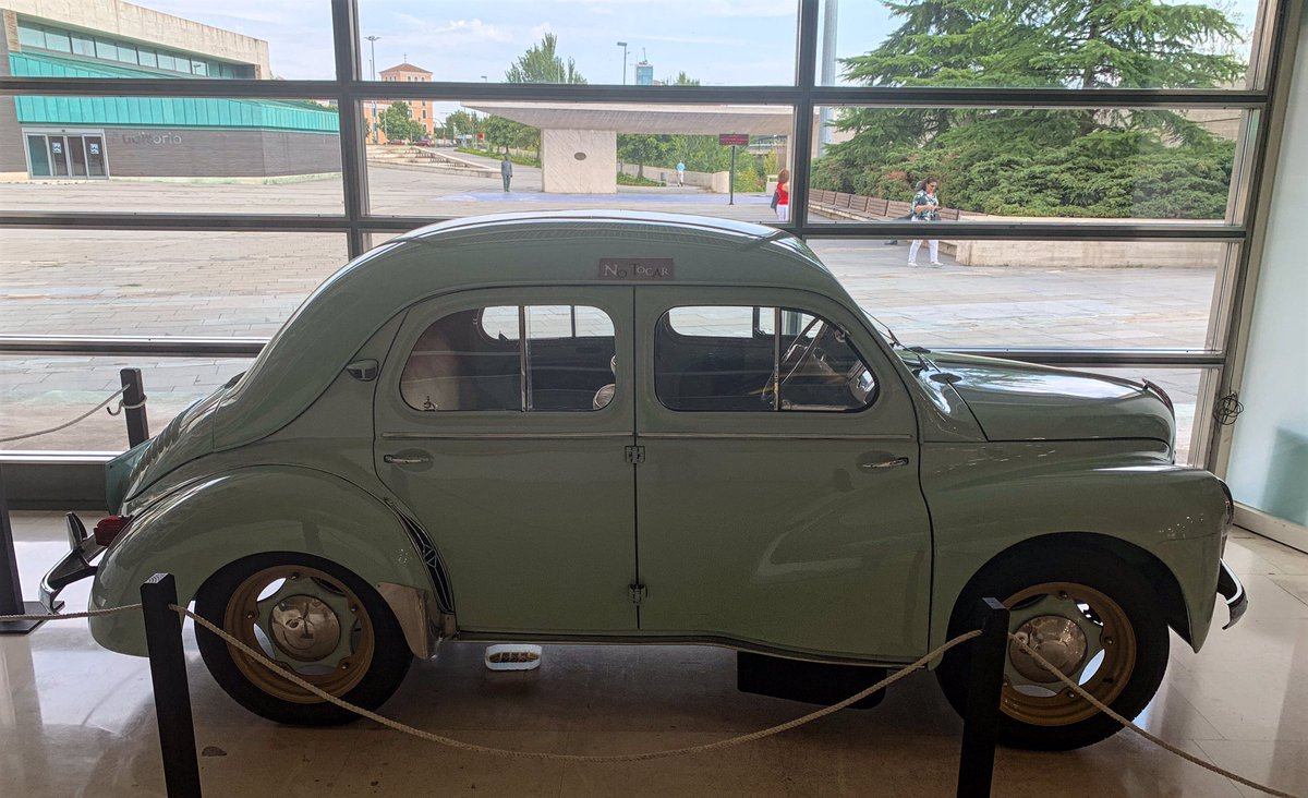 "test ツイッターメディア - Renault 4cv ""cuatro-cuatro"" #renault #renault4cv #4cv #renaultclassic #classiccar #classiccars #vintagecar #vintagecars #oldcar #oldtimer #carspotter #carspotting https://t.co/TqufV4nVnc"