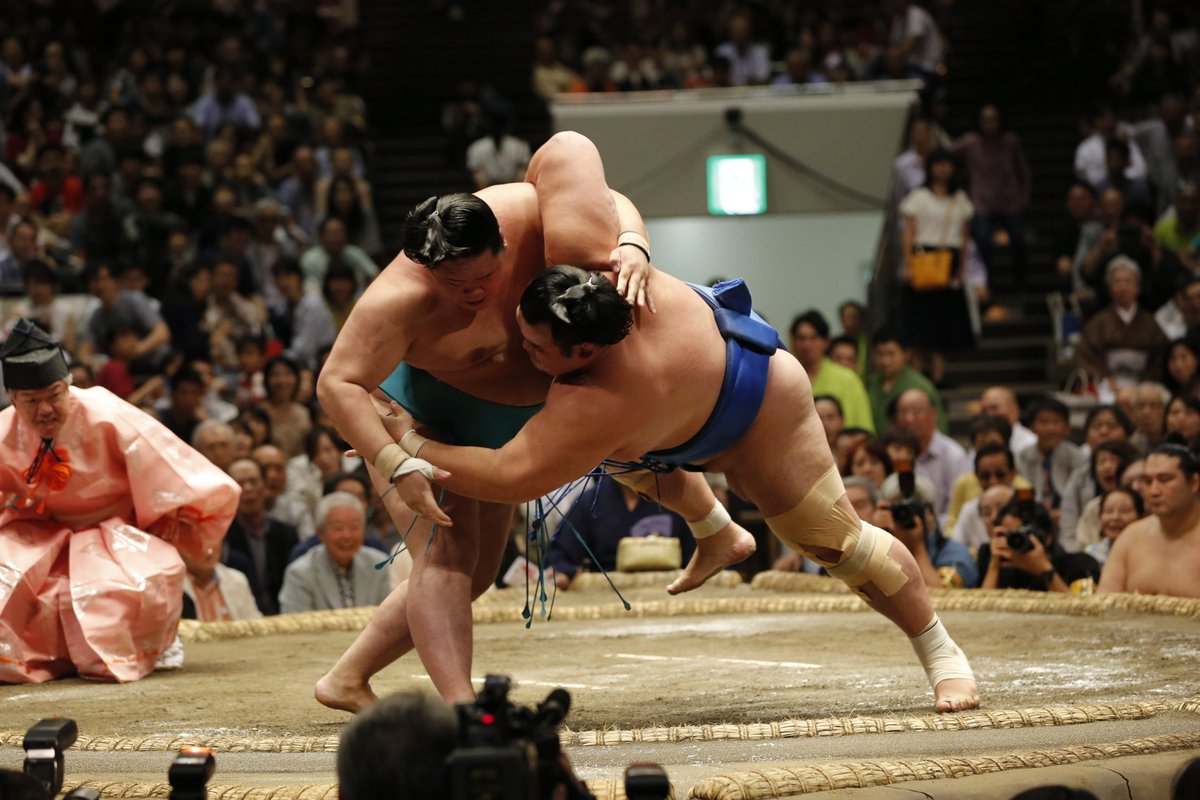test ツイッターメディア - <九日目の様子> 幕内取組。 明生(8勝1敗)掬い投げ 琴奨菊(4勝5敗)。#sumo #相撲 https://t.co/thPpWhoLGy