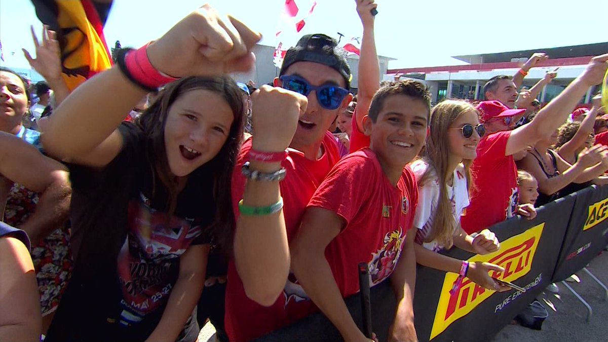 test Twitter Media - 🥳Fans… and fun! Enjoy the humorous side of sunny Portimao!  #PRTWorldSBK🇵🇹  📹VIDEO | #WorldSBK https://t.co/Aoevszyn09 https://t.co/i301wo1PsU
