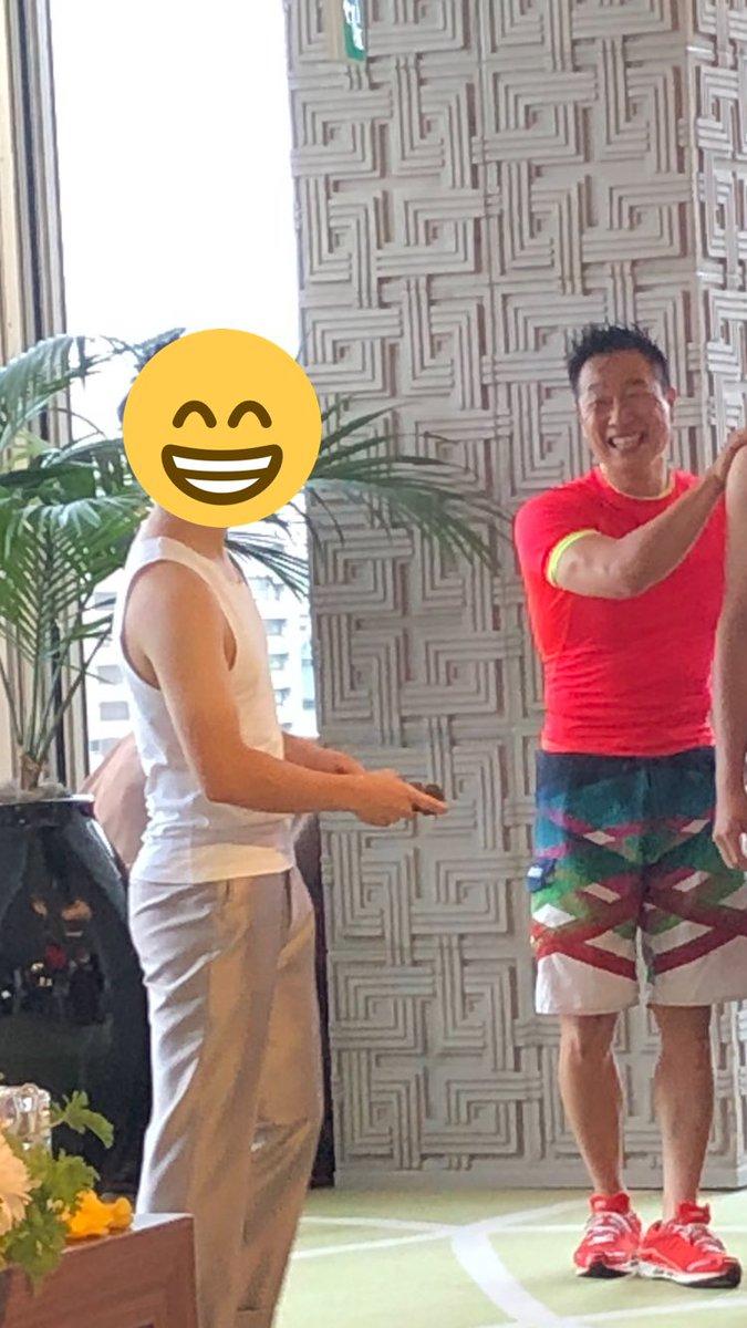 test ツイッターメディア - そういえば、週末タニタ社員の後輩の結婚式に行ったのだけれど、なんとあの「みんなで筋肉体操」の谷本さんが大学時代の恩師らしく、生で筋肉体操見ました。まさかのタニタコラボ実現。おめでとう!(ご本人からアップの許可いただきました) https://t.co/aftxyUuiFl