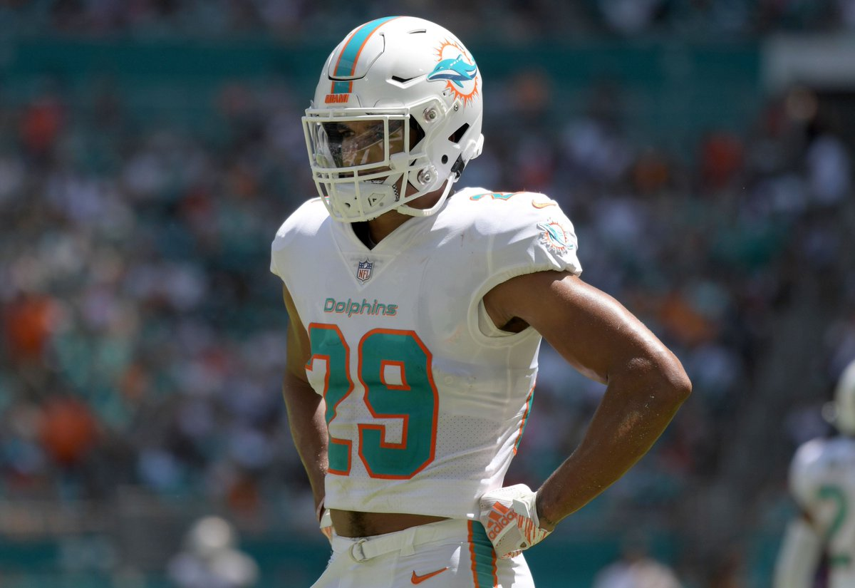 test Twitter Media - Minkah Fitzpatrick goes from one dumpster fire to another as the Dolphins grant his trade request and move him to the Steelers 🔥🏈 #FinsUp #HereWeGo #PittsburghSteelers #MiamiDolphins #Steelers #Dolphins #NFL #NFLtwitter #MinkahFitzpatrick  https://t.co/ILp64L62uU https://t.co/PVzKbiU7hZ