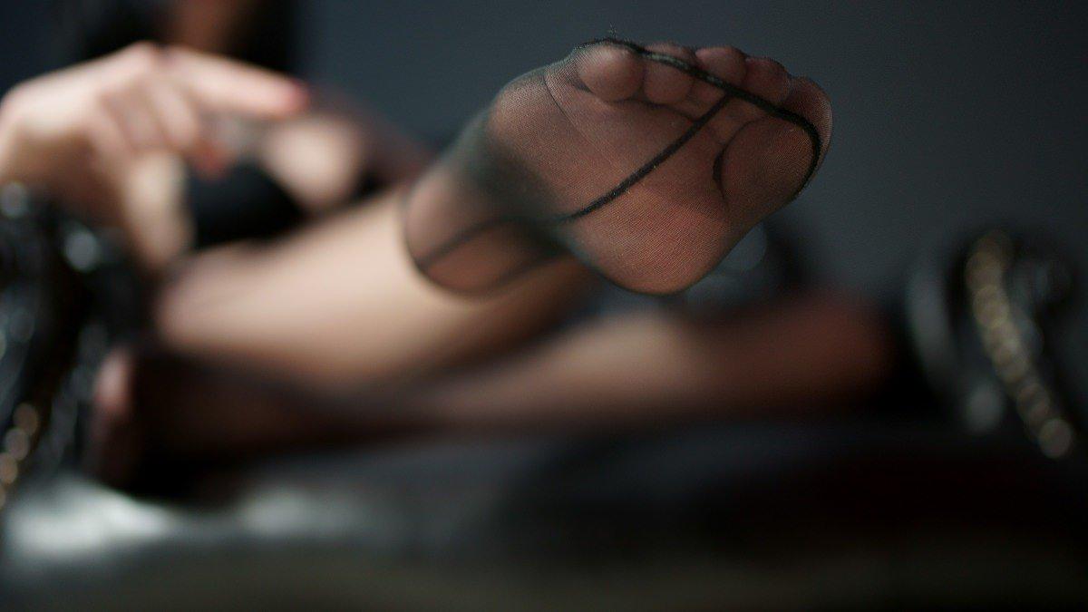 test Twitter Media - Findomalert: FeetGoddesss is online!  click here to see her >> https://t.co/qbhazqTuTQ  @feetgoddesss @rtjackass  @RT4tat2 @LiveJasmin @find0m @underdeskloser1 https://t.co/9dThmUeNuG