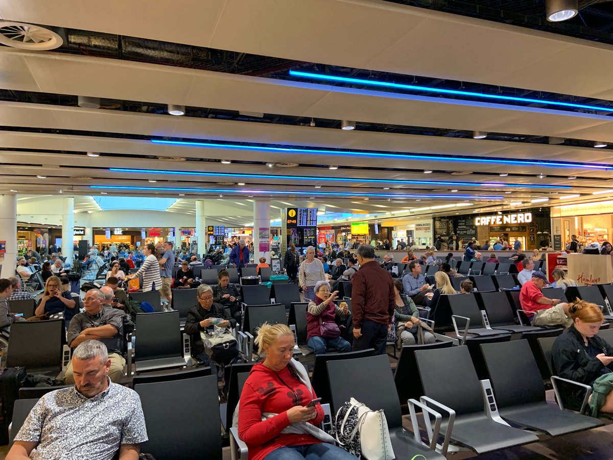 test Twitter Media - Waiting at Heathrow T3 for the flight. I'm en route to Steubenville OH for a short Bishops' Conference run by SPES (St Paul's Evangelisation Society). Please pray for a safe flight and God's blessing. https://t.co/zNJyJRYVeJ