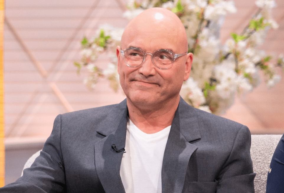 test Twitter Media - MasterChef's Gregg Wallace shows off weight loss with topless photo as fans brand him 'sexybeast' https://t.co/MLu97XynTo https://t.co/VkUFhQa4lf