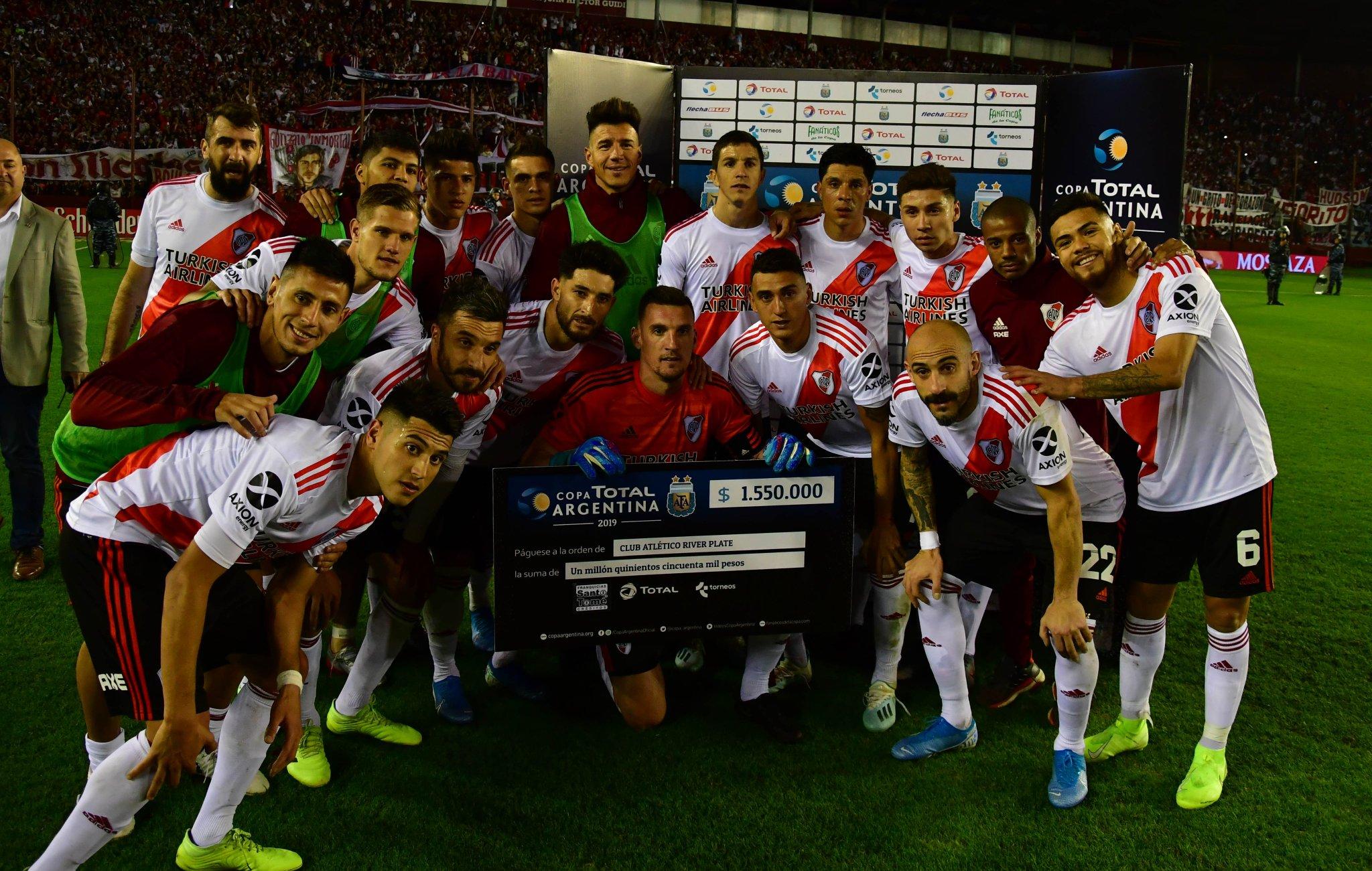 #River y la foto del cheque de #CopaArgentina 🏆 https://t.co/PjsM9PfjQ2