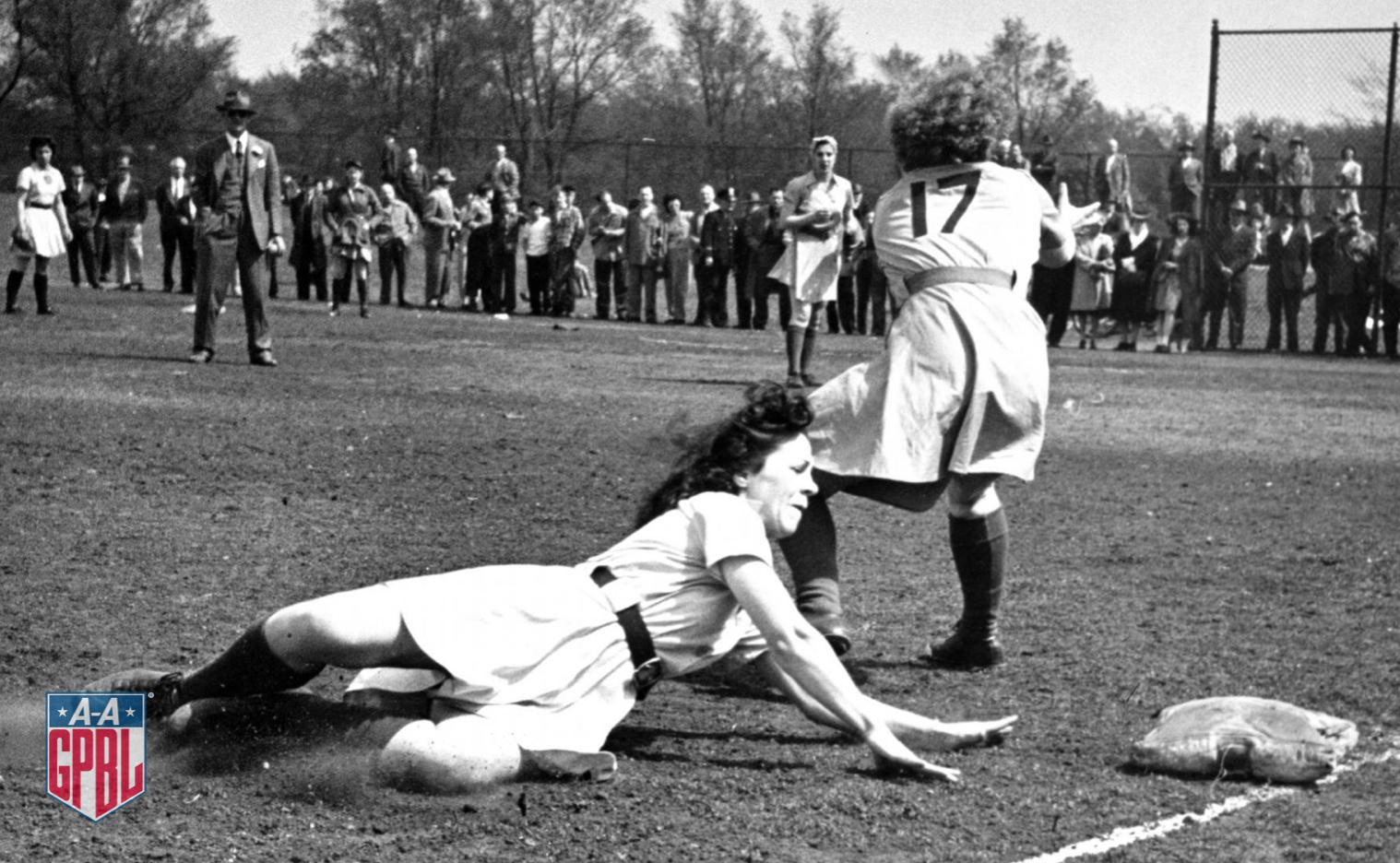 Dirt in the skirt!  #AAGPBL https://t.co/UBIf0ZAva4