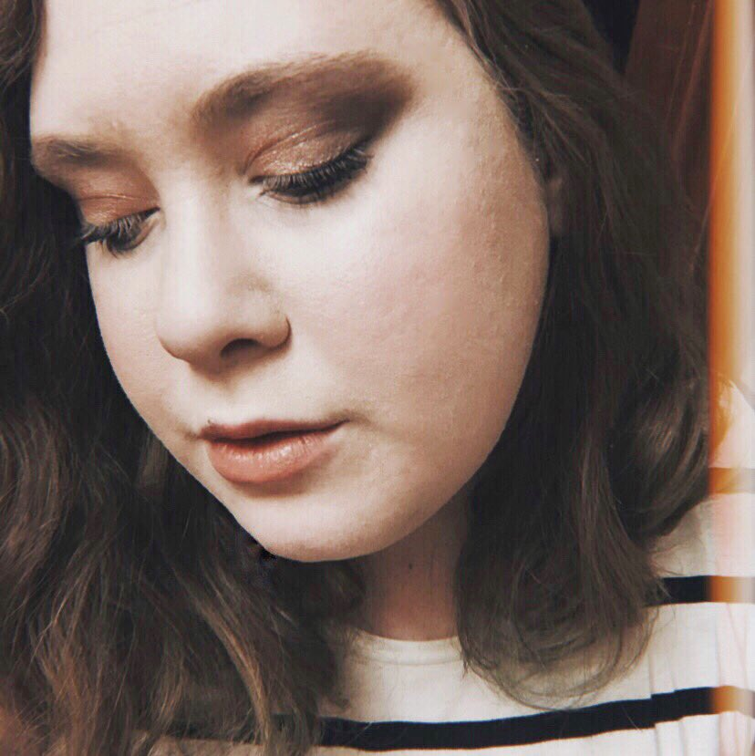 test Twitter Media - Autumn is my FAVORITE season. Recently I've been playing around with autumnal colors in my makeup, which I've been LOVING. Should I do a video showing you my go-to autumn-themed makeup routine? Let me know in the comments! 🌻💛🍂 https://t.co/AQ59jVplqq