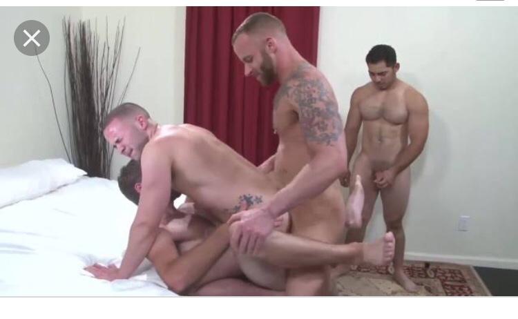 Порно Геи Тройное