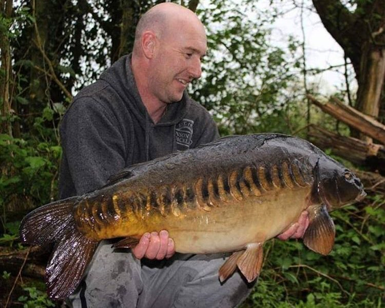 Nick Dunn with one from a few <b>Years</b> back 💪🏻🎣 @TheCARPbible   #Carp #CarpFishing #Fis