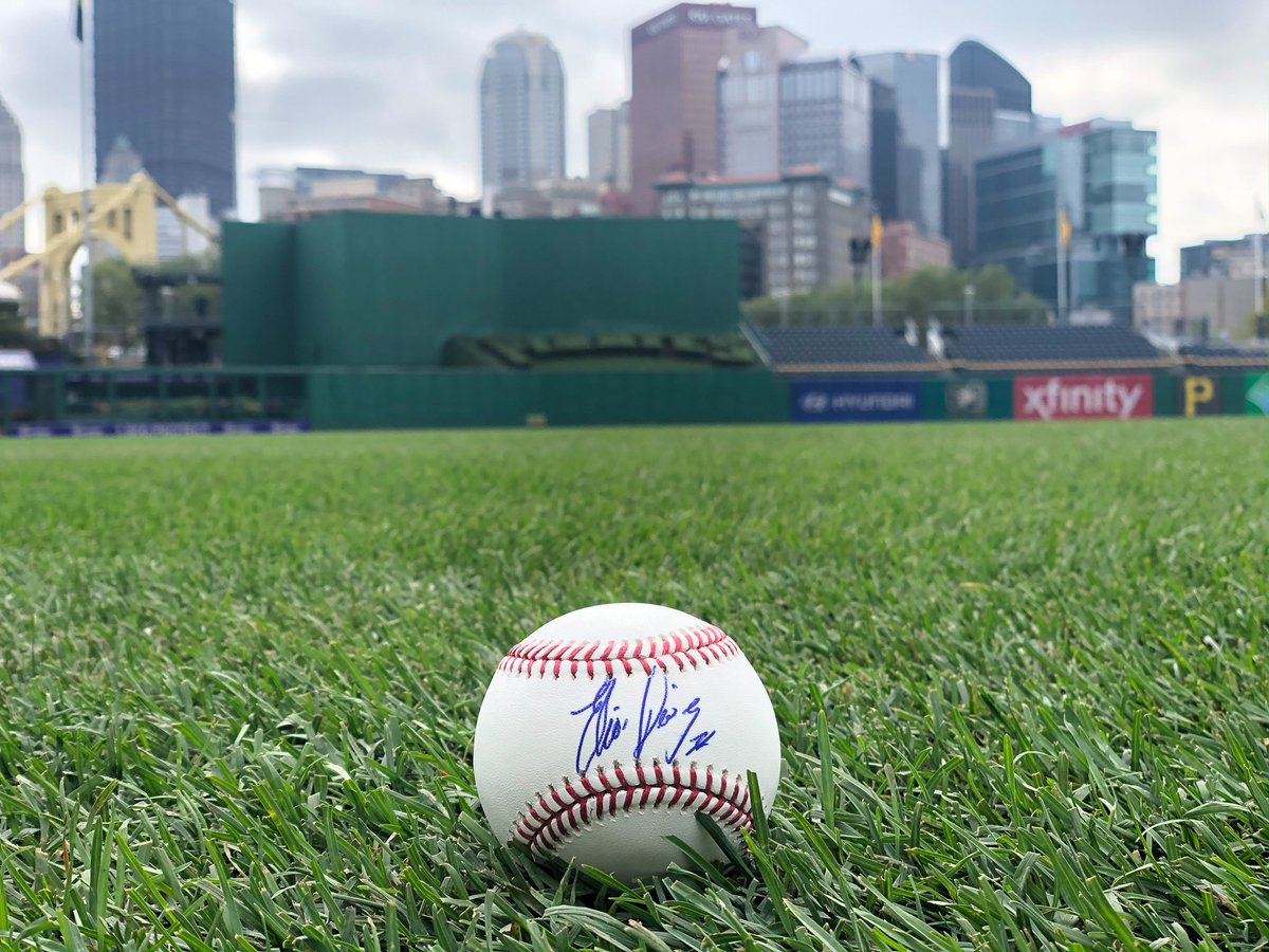 RETWEET THIS now for a chance to win a SIGNED Elias Diaz baseball as part of our Game 162 celebration!   #LetsGoBucs
