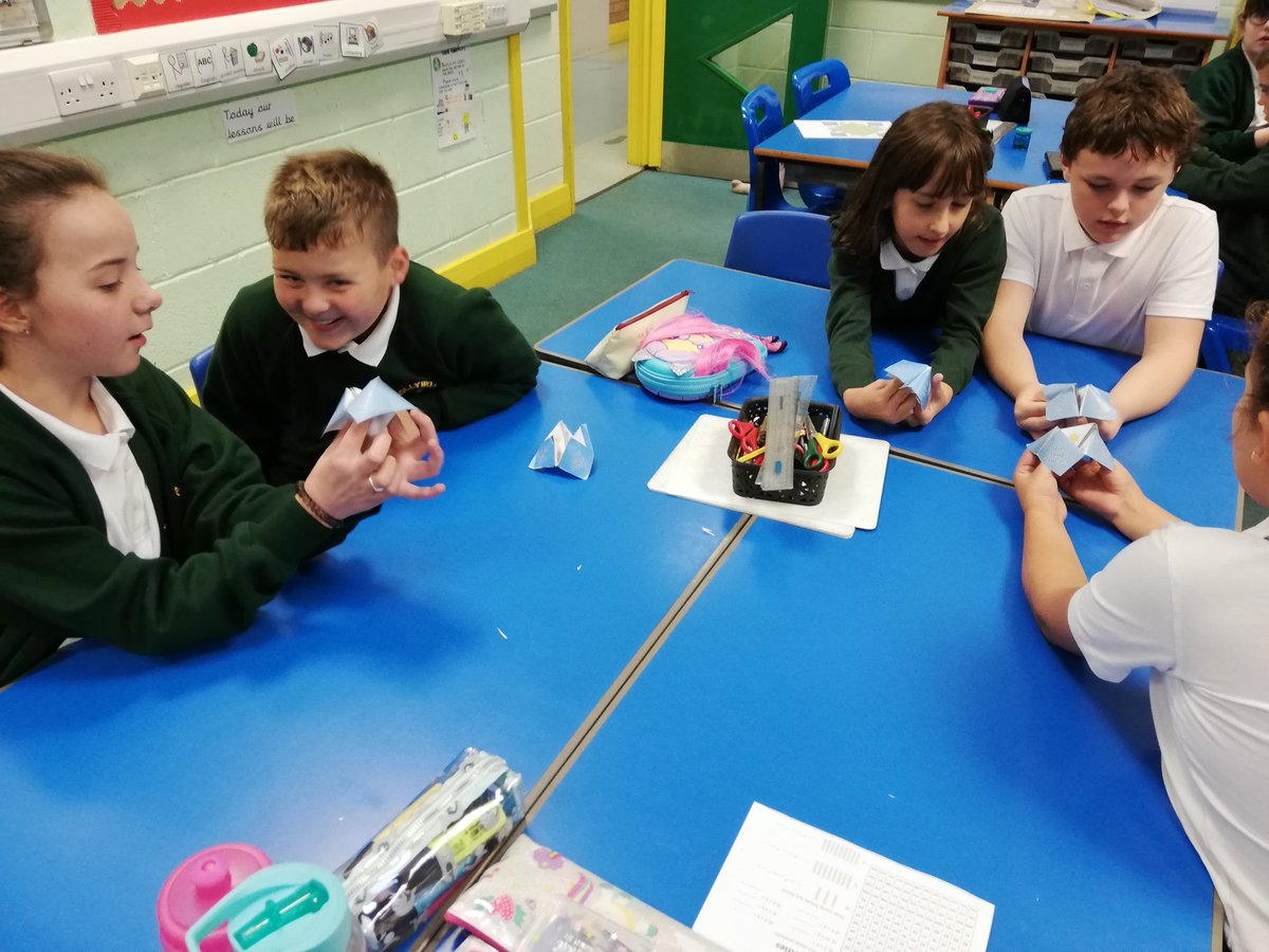 test Twitter Media - Year 5 have been using a range of strategies to learn how to describe the weather. We linked it with describing our feelings in different weather conditions too! #frenchathollywood https://t.co/AqmF0rnoii