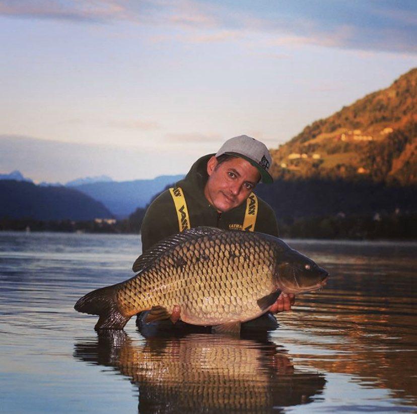 Well done Erwin 💪🏻🎣  @TheCARPbible   #Carp #CarpFishing #Fishing https://t.co/ULbFIjsB6b