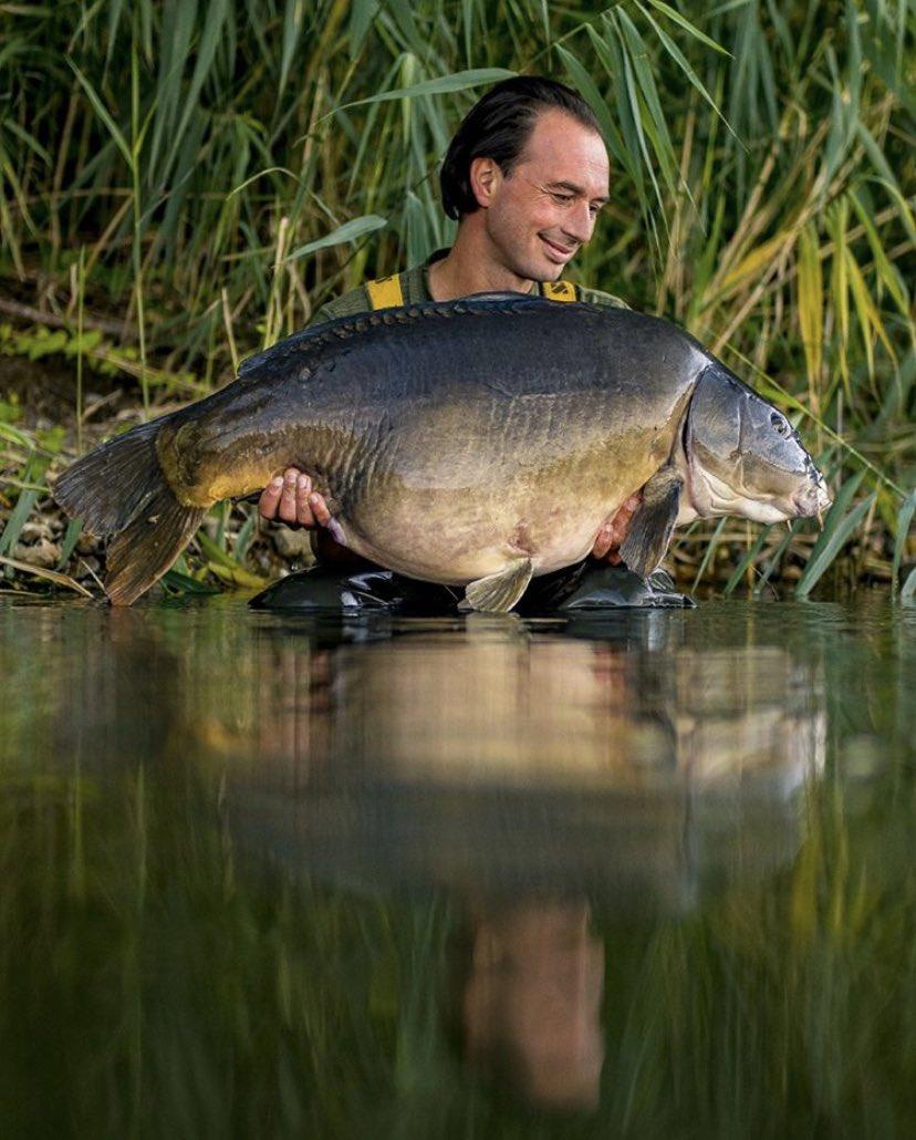 Incredible catch for mark pansarstruikrover 💪🏻🎣  @TheCARPbible   #Carp #CarpFishing #Fishin