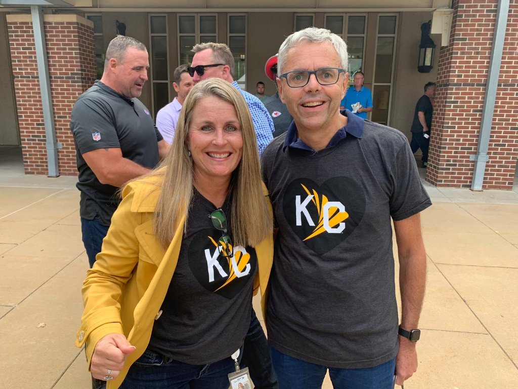 test Twitter Media - I'm very lucky to work with such dedicated #SprintFam partners. Our Chief HR Officer @DeeanneDK is certainly one of them. She recently shared with @KCStar the steps we're taking to invest in our employees. https://t.co/gJXXi18u1x https://t.co/Jyohn9lJdp