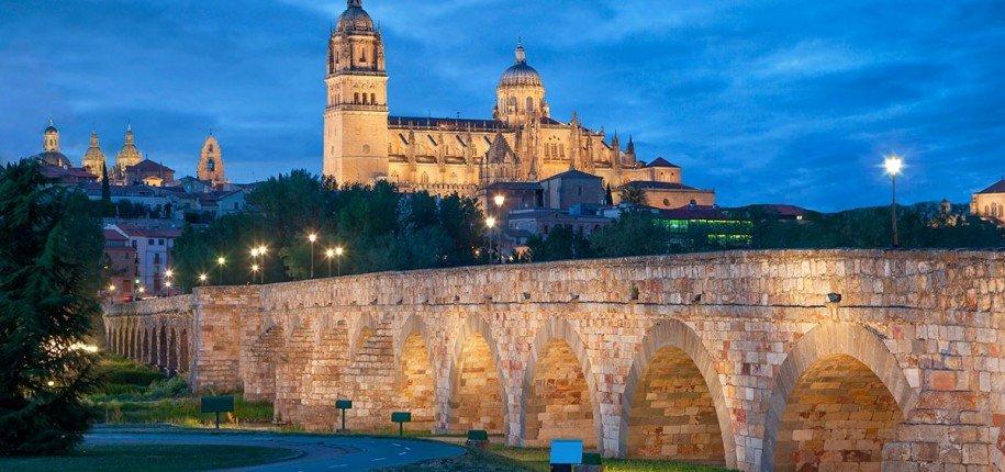 """test Twitter Media - Hay ciudades con alma: """"Cuando en esta tranquila ciudad de #Salamanca salgo de paseo, carretera de Zamora adelante, se me cansan las piernas, seguramente, pero descansa y se refresca mi sistema nervioso. El camino está franco y despejado...""""  #Unamuno  https://t.co/8h0M2hLEM5 https://t.co/D2MZgiiumA"""