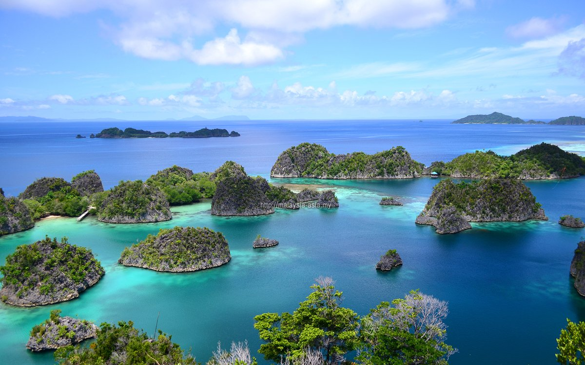If there are TWO places that I could re-visit, it would be Raja Ampat & Padar Island at the Komodo National Park in Indonesia. #WonderfulIndonesia #rajaampat #komodoisland #padarisland #indonesia #travel #pesonaindonesia https://t.co/2yVz3hN3du