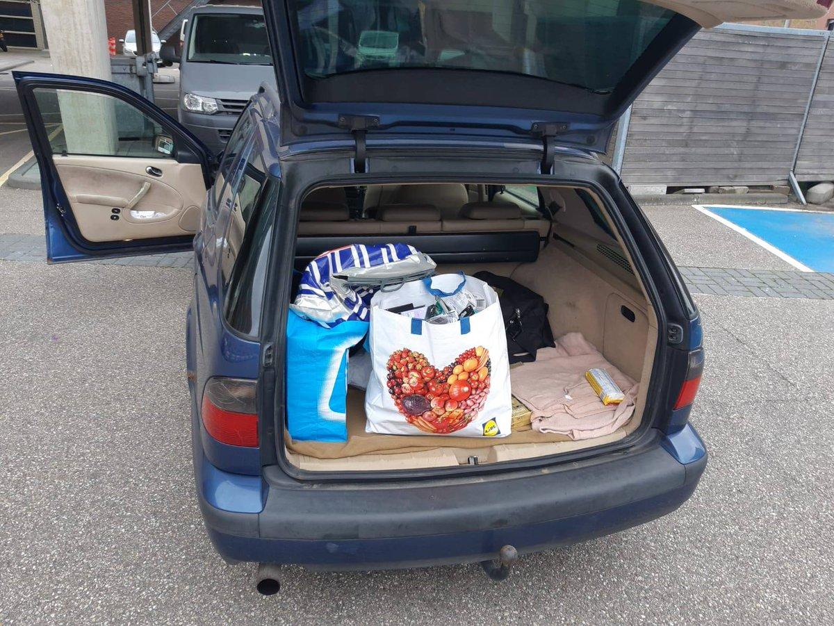 Tandpasta, scheermesjes, opzetborsteltjes, baby-speentjes en andere goederen aangetroffen bij voertuigcontrole in Zwolle .