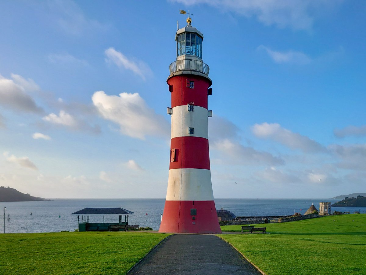 test Twitter Media - Smeaton's Tower Lighthouse, standing proud on Plymouth Hoe, looking magnificent and majestic in the October sunshine.  #Plymouth #WeKnowPlymouth #Lighthouse #Sea #Autumn #Sun  @SmeatonsTower @PlymHoe @britainsocean https://t.co/VzUwyN1chN