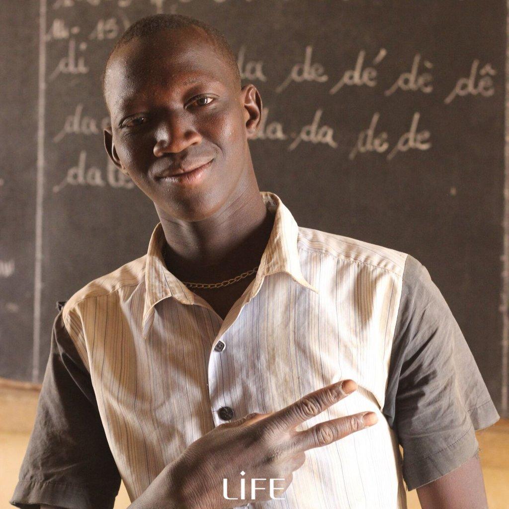 test Twitter Media - Dans un pays touché par les conflits et la #pauvreté, l'éducation peut être la voie de la paix et du succès.   Life s'engage pour l'#éducation en mettant en place des structures pédagogiques bienveillantes et accessibles notamment en milieu rural.  #mali #scolarisation https://t.co/eGqum0o7DG
