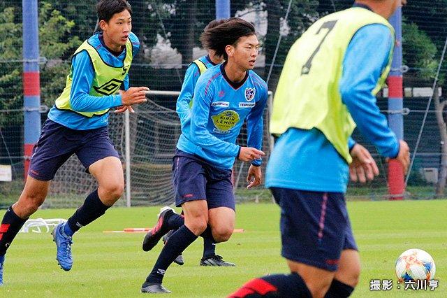 test ツイッターメディア - ⚽練習リポート📝 代表選手不在により紅白戦で様々な組み合わせにトライ。主力組の右SB中村拓海は「世界の凄い選手とやれる」とイニエスタとのマッチアップに心をときめかせる  https://t.co/74idIxU98K #fctokyo #FC東京 #中村拓海 https://t.co/TMRog9D4MV