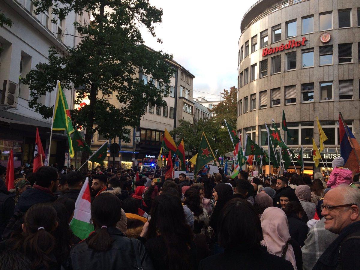 test Twitter Media - RT @tal_initiativen: Aktuell vielleicht 200-250 Menschen bei der #Rojava-Soli in #Wuppertal. https://t.co/bLjISLjcFX