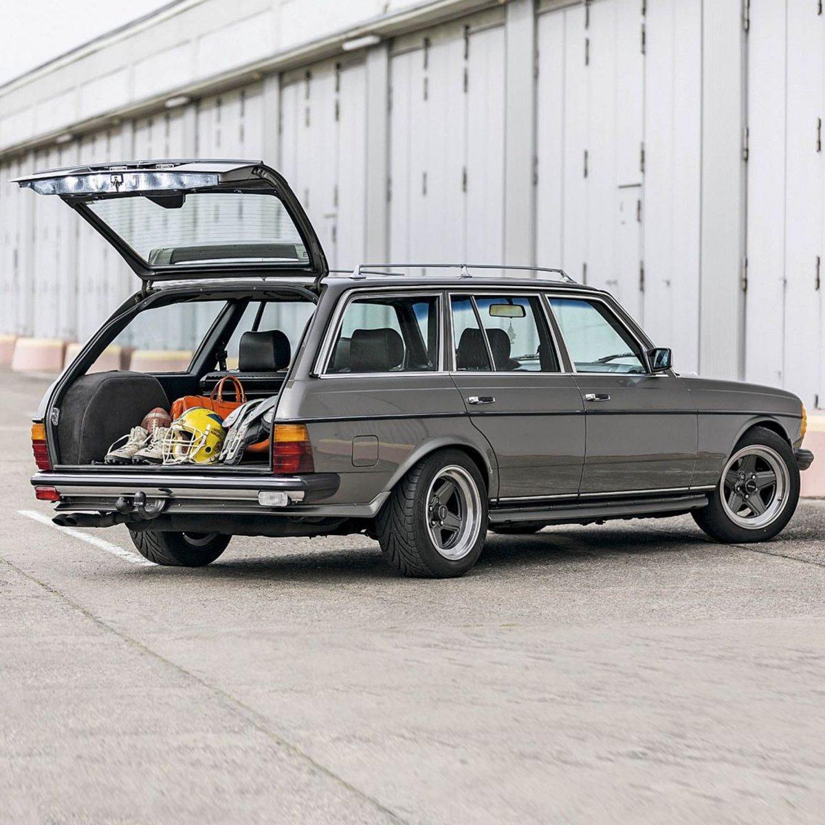 Kalitesi hiç eskimiyor; konforunun önüne hiçbir şey geçemiyor. Bir zamanların aile otomobili: Mercedes-Benz S123. #Koluman #MercedesBenz #klasikaraba #wagon https://t.co/5kHtTg8l39