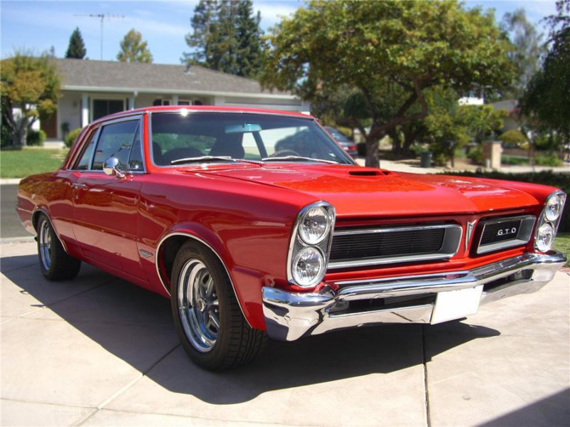 One of the hottest muscle cars in the world...a 1965 #Pontiac GTO.  #OldCarNutz https://t.co/YYnepWBsPI