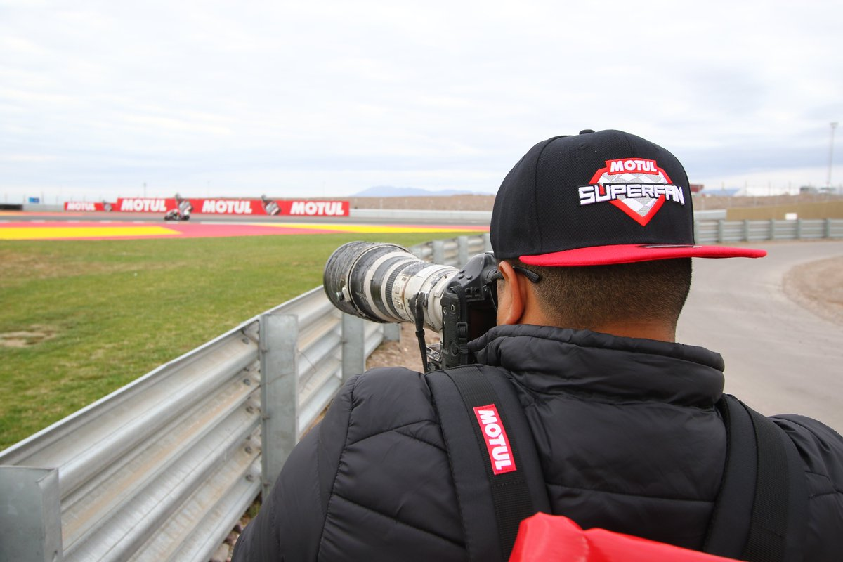 test Twitter Media - #ARGWorldSBK is much better if you are the #MotulSuperFan 🤩  Well surrounded and enjoying Sunday action from the first row. What an experience! Remember this could be you thanks to @motul 👉🏻https://t.co/feklk3vE1e https://t.co/oAOWqG27S1