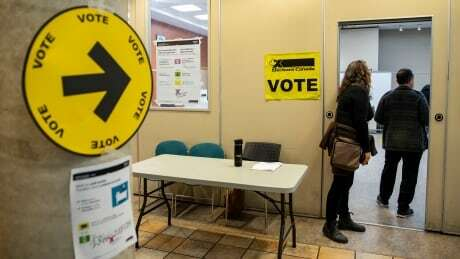 test Twitter Media - Elections Canada data shows 25% increase in advance voting compared to 2015 https://t.co/hzhJBD9gmm #hw #cdnpoli https://t.co/fCY3v7BuNf