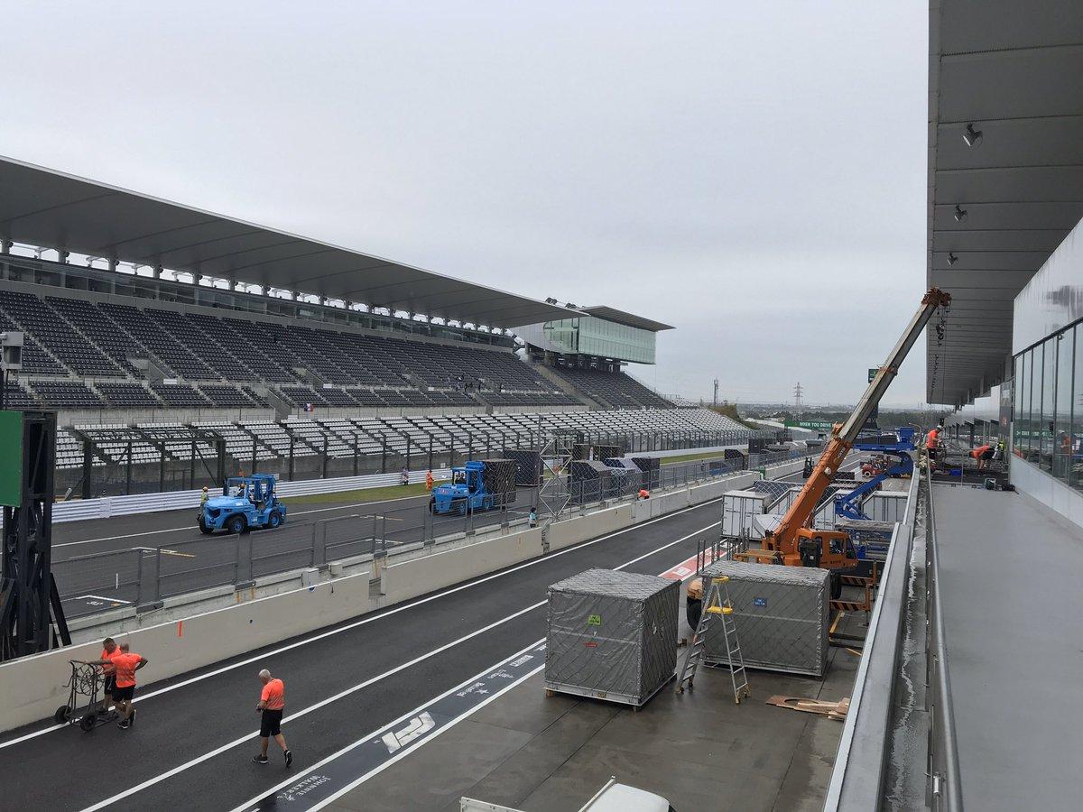 test ツイッターメディア - おはようございます! 本日はF1 日本グランプリ🇯🇵 ファンイベントを開催いたします! メインゲートオープンは9時30分を予定しております。お時間までしばらくお待ちください。  #F1JP #SuzukaF1 #JapaneseGP https://t.co/9bUHdCyy9l