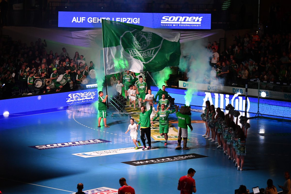 Das Heimspiel gegen den TBV Lemgo Lippe beginnt. Sky Sport Handball und die Leutzscher Welle senden LIVE: Zum Fanradio: https://t.co/Yihe0Uyox0 https://t.co/8vJSKxi6Tv