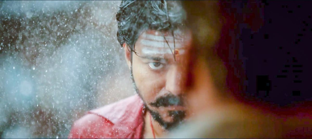 #2YearsOfBBMersal  The film that took #ThalapathyVijay @actorvijay to the next level in terms of boxoffice pull, reach and popularity. A 250 CR WW grosser (125 CR in TN) is no mean feat 👌🙏  #Bigil will be eyeing #Mersal's benchmarks