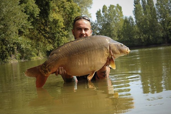 Big shout to the FishFace Angler for this stunner <b>💪🏻🎣</b> @TheCARPbible   #Carp #CarpFis