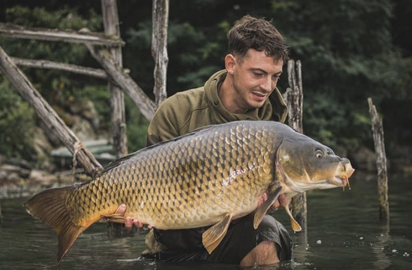 Big shout to that man Matteo <b>💪🏻🎣</b>  @TheCARPbible   #Carp #CarpFishing #Fishing https: