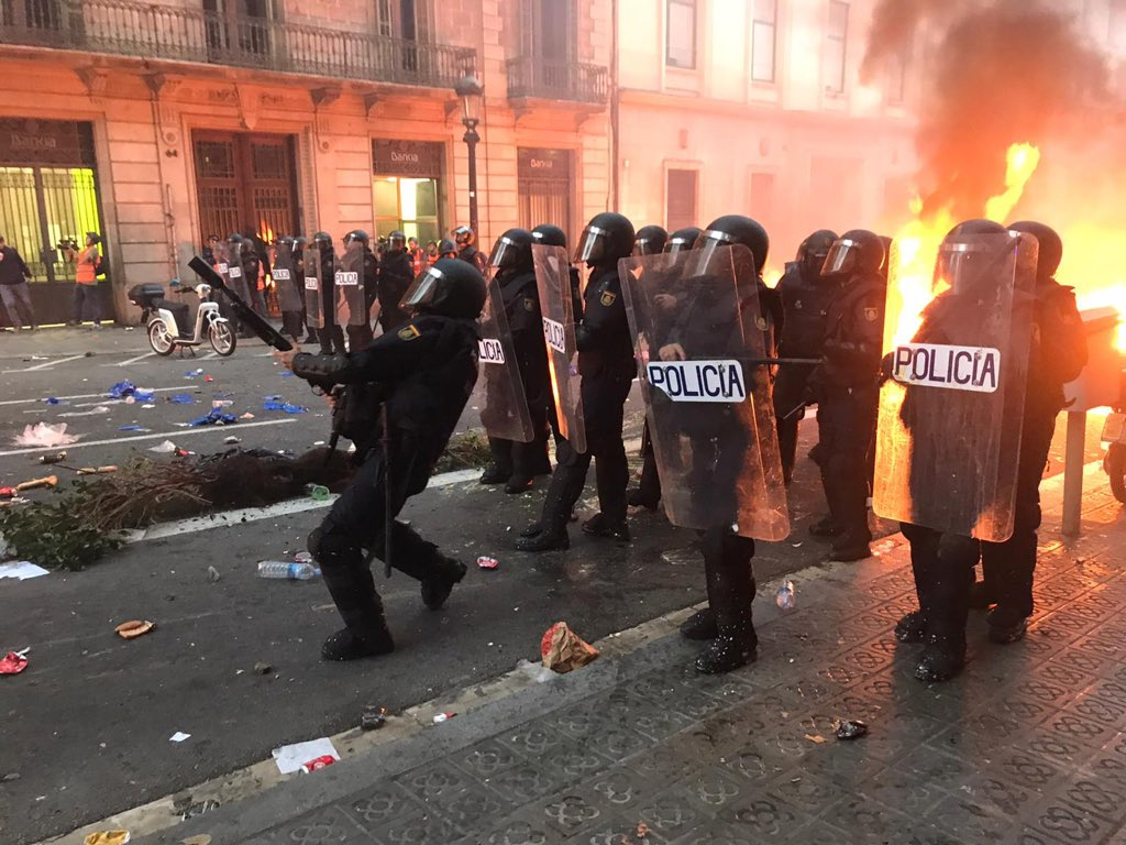 Spanish police shooting gas and rubber bullets at Catalan protestors. #GeneralStrike https://t.co/1SnyqpXdHz