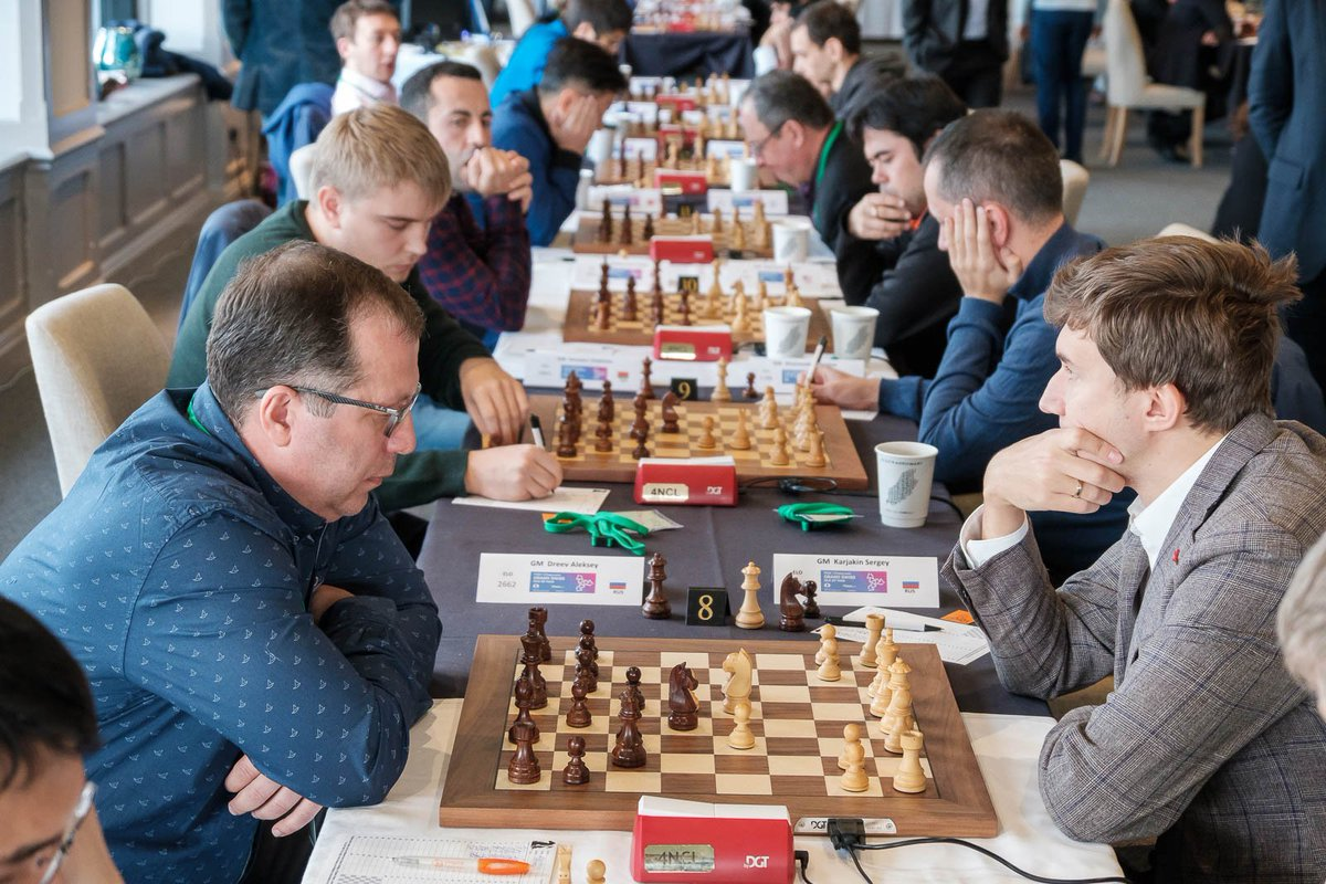 test Twitter Media - Top board results at #IOMchess: 1. Caruana (5½) ½-½ Aronian (5½) 2. Wang (5) ½-½ Carlsen (5) 3. Anton (5) 1-0 Grischuk (5) 4. Maghsoodloo (5) ½-½ Vitiugov (5) 5. So (4½) ½-½ Alekseenko (5) 6. Anand (4½) 1-0 Fedoseev (4½) 7. Shirov (4½) ½-½ Yu (4½) 8. Karjakin (4½) 1-0 Dreev (4½) https://t.co/6TZ3ro1T6e