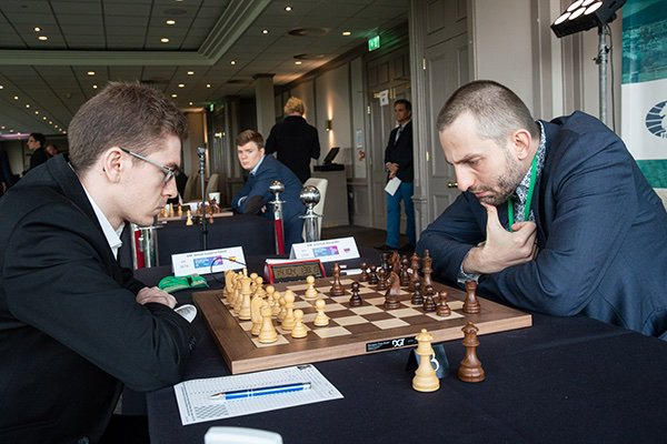 test Twitter Media - На острове Мэн лидеров стало трое. Позади восьмой тур FIDE https://t.co/64jipEVQDF Grand Swiss. Фото: @photochess https://t.co/bk2O2QBd8r  #IOMchess https://t.co/UHclXzKo8X