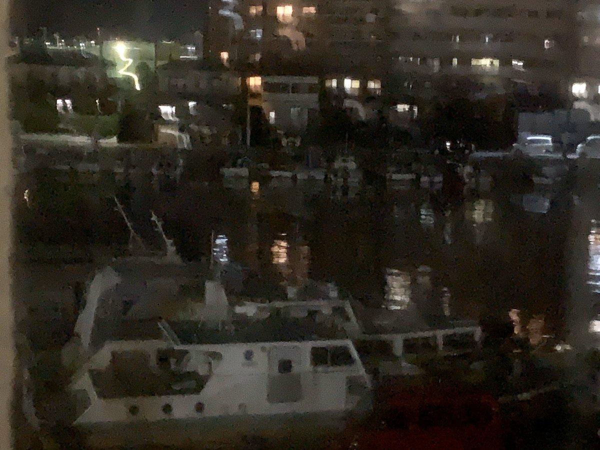 test ツイッターメディア - 長崎空港近くのホテルにチェックイン。 海がすぐ横のオーシャンビュー。 SAで小城羊羹買おうと思ったら全て閉まってた。 https://t.co/KwiETXl2Zo